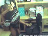 Caiu na net mulata gostosa transando no escritorio
